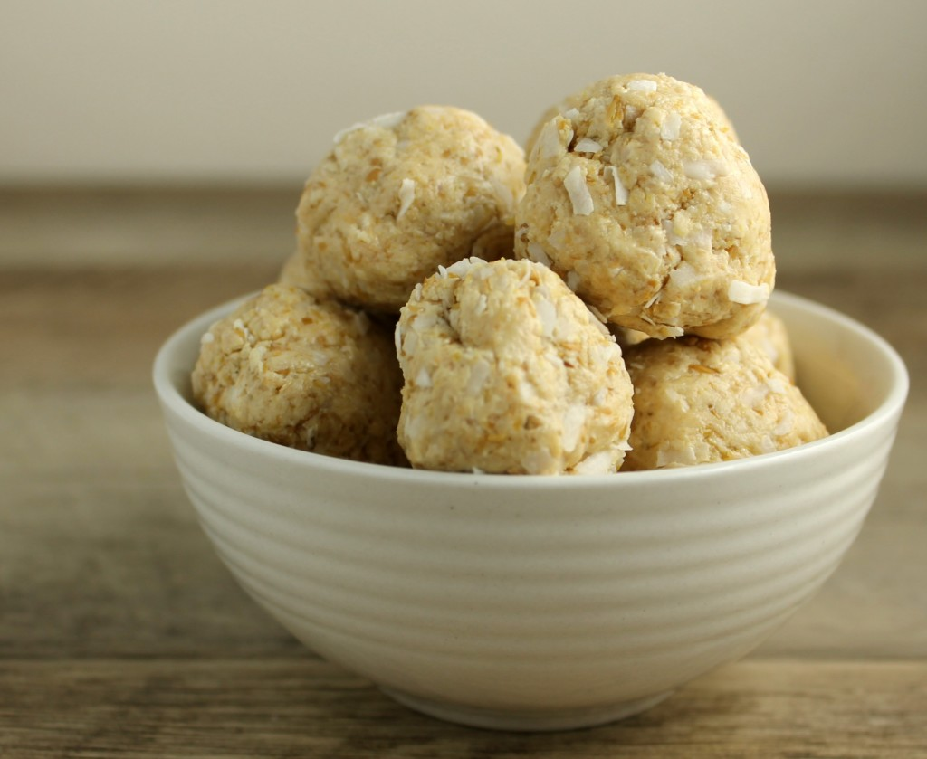 Cashew and Coconut Balls
