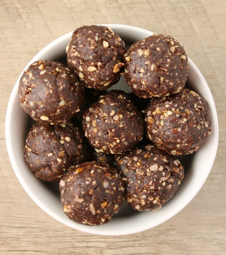 Chocolate Date Balls2